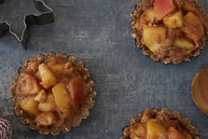 Mini raw fermented Apple Pie's