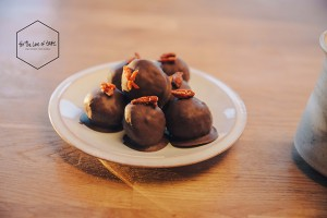 fruity goji chocolate bonbon